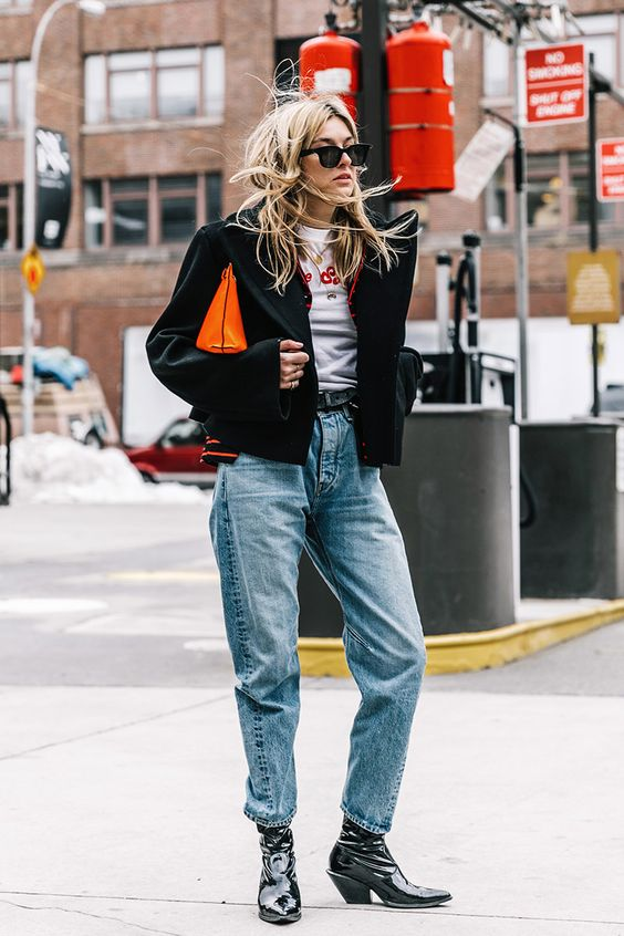 bota country feminina com jeans